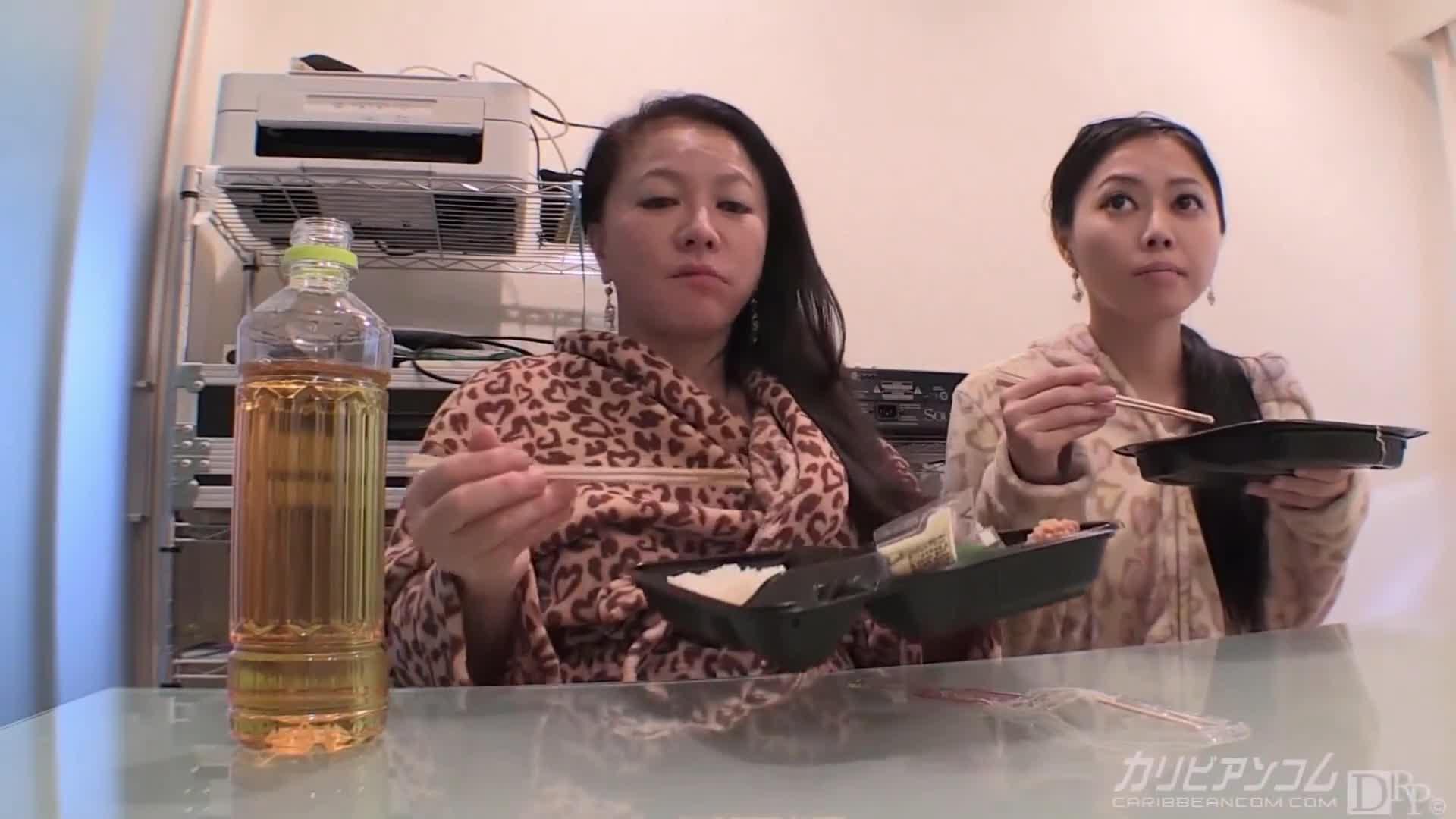 日本本物のママと娘ビデオ-tokyoporns.com